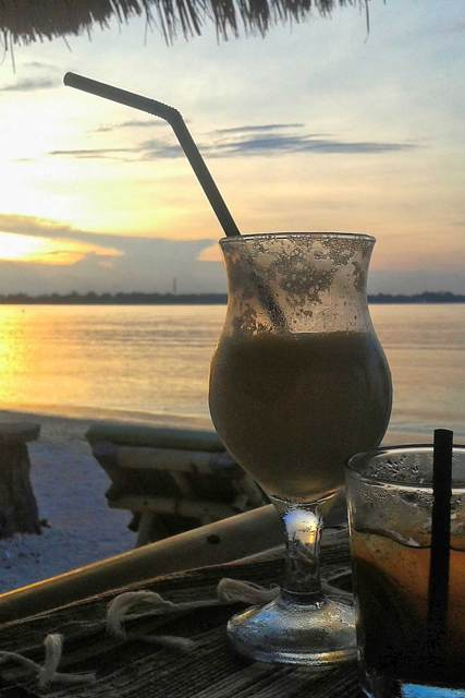 Cocktail am Meer von Gili Air