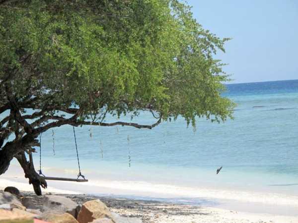Schaukel am Strand von Gili Trawangan, Indonesien