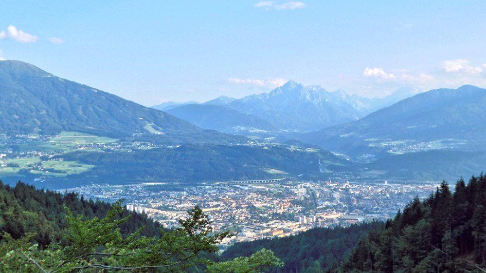 Innsbruck, Patscherkofel und Serles im Blick von der Nordkette aus (zur Rumer Alm)