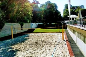Beachvolleyballplatz im Schoenbrunnerbad