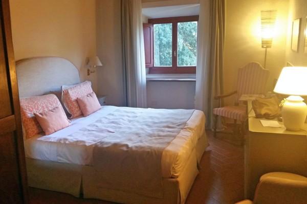 Zimmer mit Fenster im Hotel Paggeria Medicea
